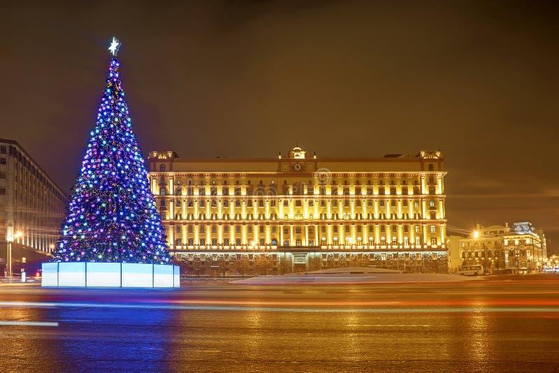 圣诞节莫斯科 在卢比扬卡广场的圣诞树在莫斯科 图库摄影