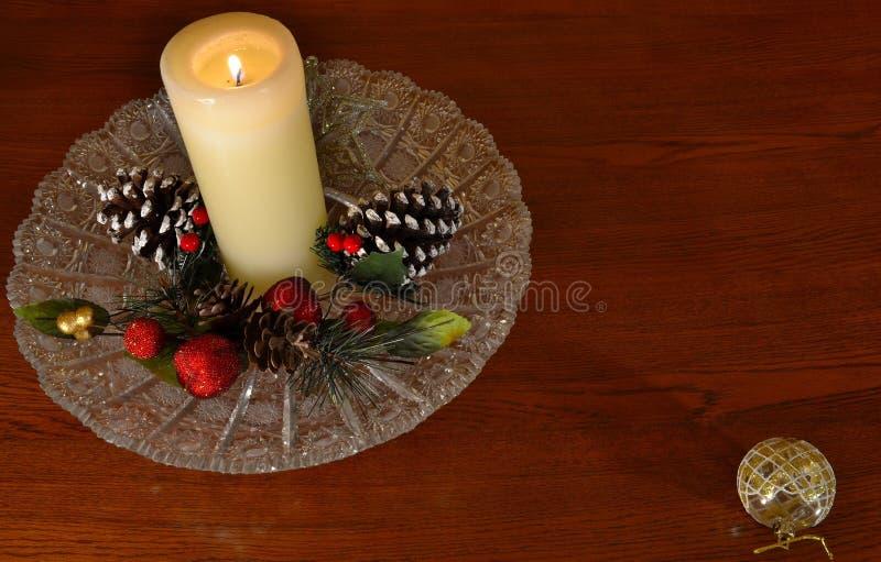 圣诞节蜡烛-文本神色的室喜欢礼物标记 库存图片