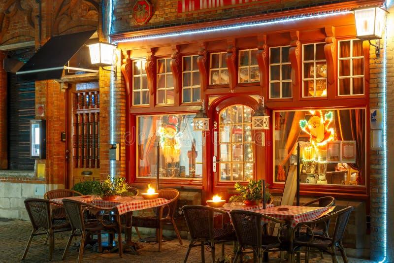 圣诞节街道在布鲁日,比利时的中心 免版税库存图片