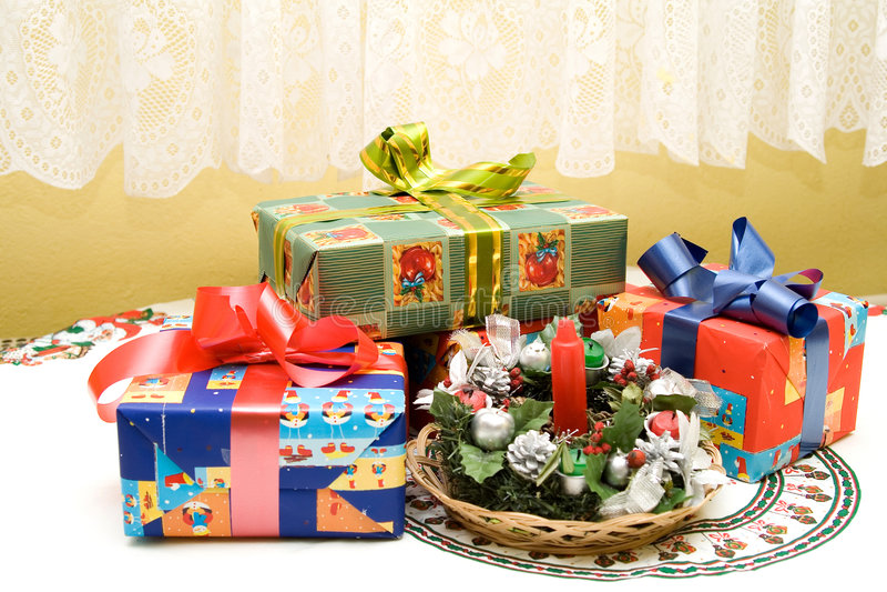 Download 圣诞节表 库存图片. 图片 包括有 boyce, 季节, 棚车, 蜡烛, 节假日, 庆祝, 礼品, 圣诞节 - 3657487