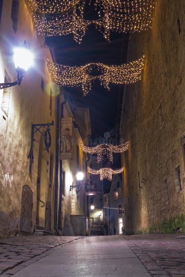 圣诞节装饰光在Tal老城镇 免版税库存图片