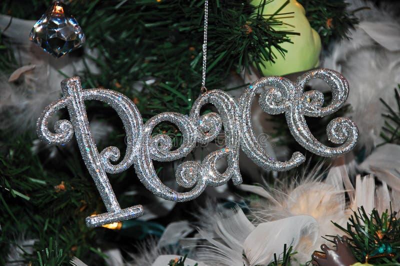圣诞节装饰品和平 免版税图库摄影