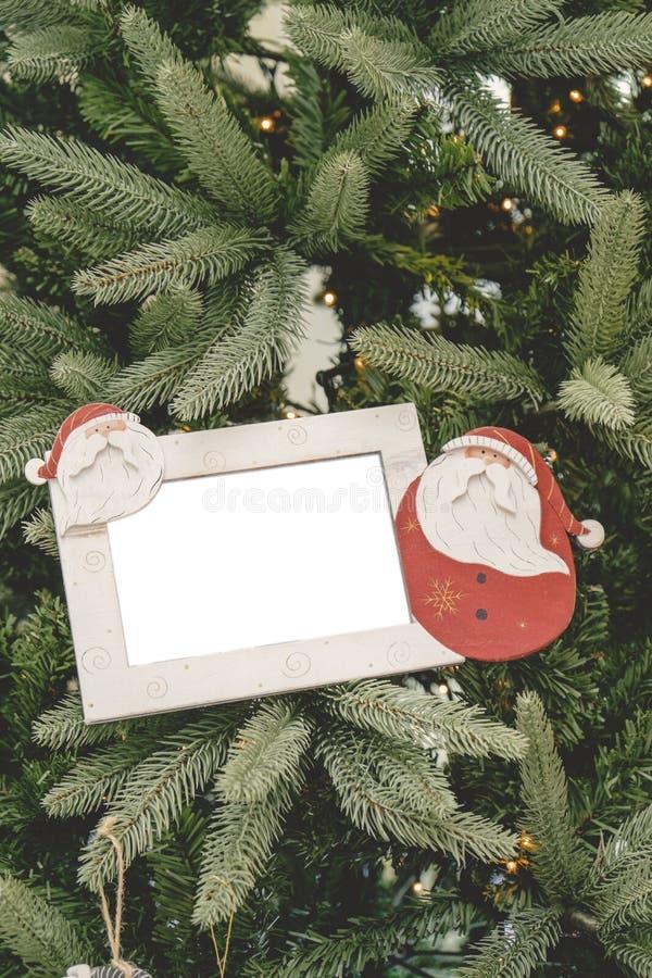 圣诞节装饰品球画框 免版税库存照片