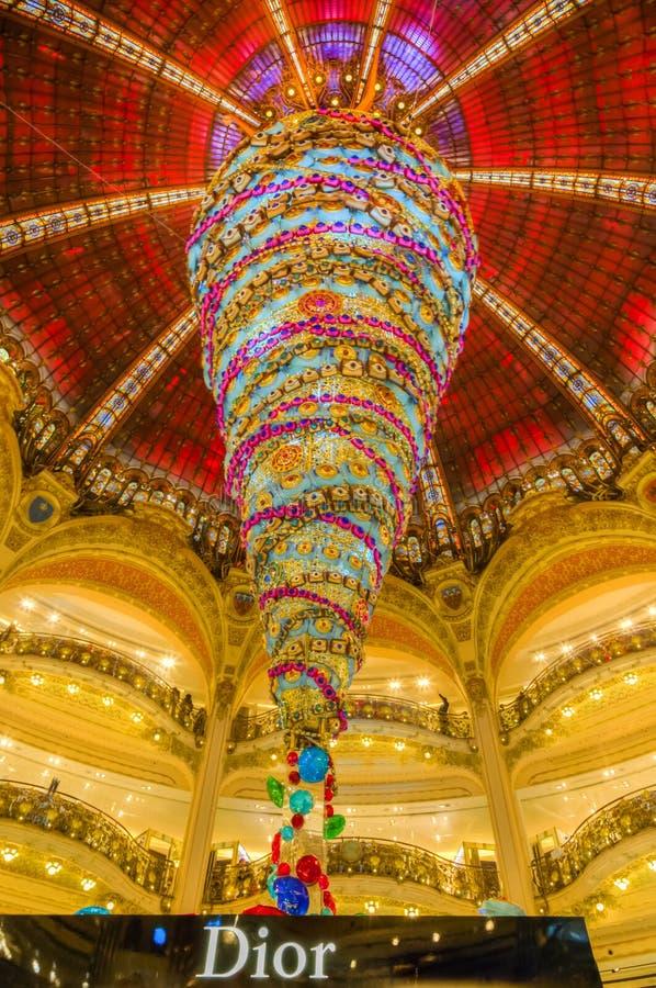 圣诞节装饰在Galeries拉斐特,巴黎 免版税库存图片