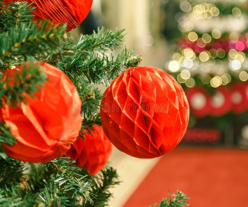 圣诞节装饰新年度 中看不中用的物品圣诞节停止的结构&# Xmas与诗歌选的假日背景,闪亮金属片 库存图片