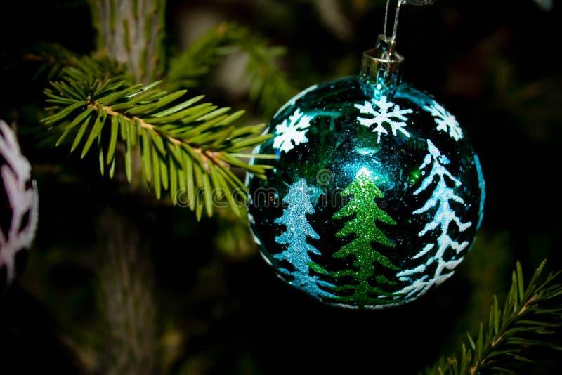 圣诞节装饰绿色球 免版税图库摄影