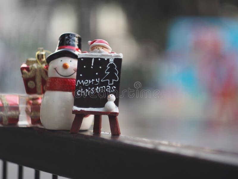 Download 圣诞节装饰装饰新家庭想法 库存照片. 图片 包括有 克劳斯, 12月, 雪人, 装饰, 红色, 圣诞老人 - 62530608