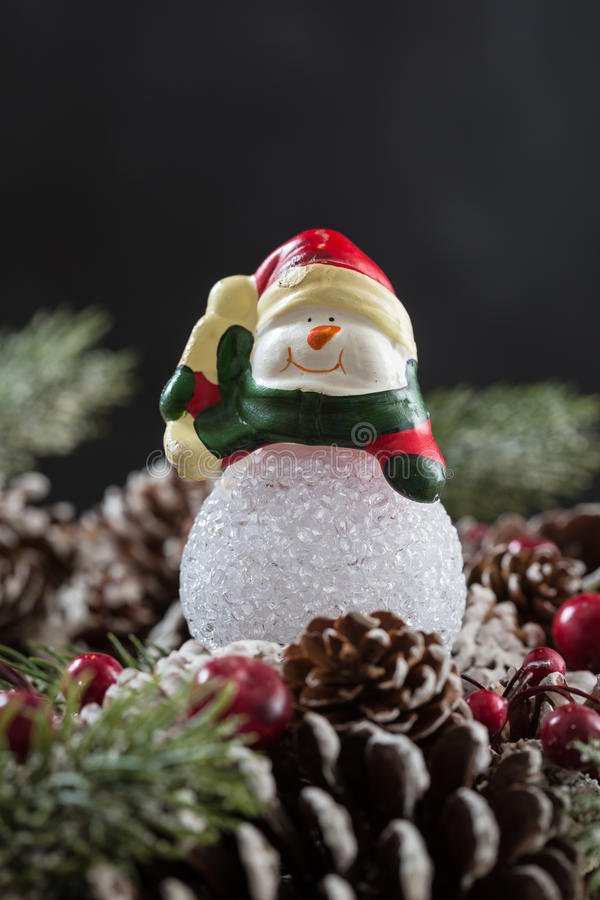 Download 圣诞节装饰装饰新家庭想法 库存照片. 图片 包括有 照亮, 颜色, 红色, 快活, 紫色, 欢乐, 丝带 - 62538872