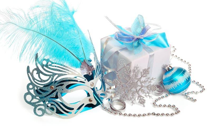 Download 圣诞节装饰 库存图片. 图片 包括有 当事人, 女性, 羽毛, 诗歌选, 庆祝, 程序包, 装箱, 乐趣 - 22355349