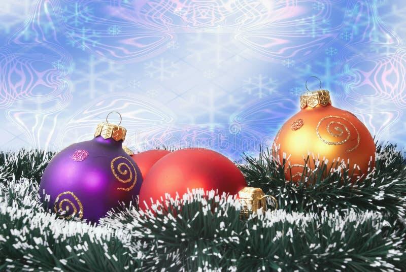 Download 圣诞节装饰 库存图片. 图片 包括有 关闭, 云杉, 具球果, 华丽, 节假日, 冷杉, 红色, 装饰, brander - 3650543