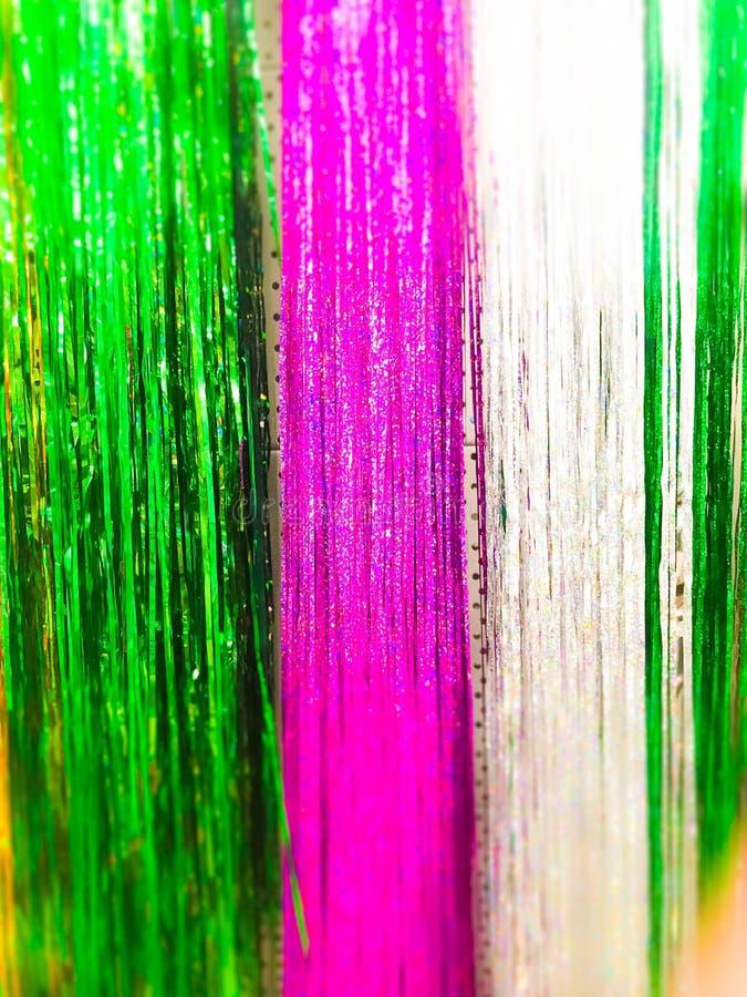 圣诞节诗歌选闪耀新年的,圣诞节树闪亮金属片,欢乐装饰用迷离作用 纹理 背景 免版税图库摄影