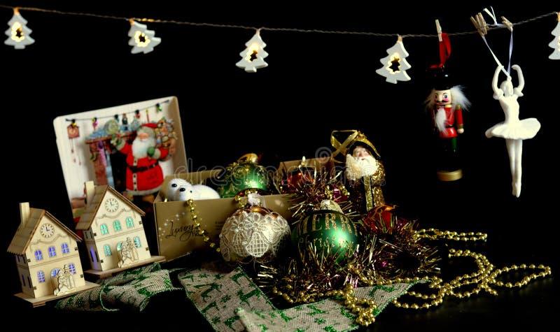 圣诞节金子绿色红色装饰 免版税库存图片