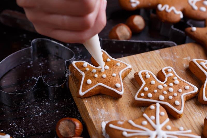 圣诞节面包店 关闭装饰自创姜饼co 免版税库存图片