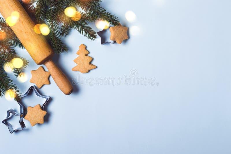 圣诞节食物背景,假日传统姜饼曲奇饼 免版税图库摄影
