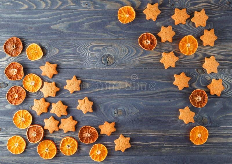 圣诞节香料和烘烤成份 假日食物backgroun 库存图片
