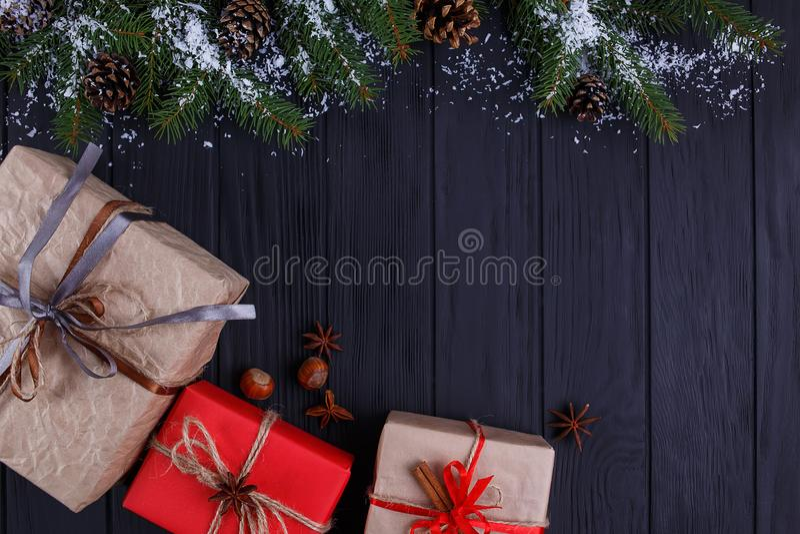 圣诞节,新年假日构成 礼物盒和雪co 图库摄影