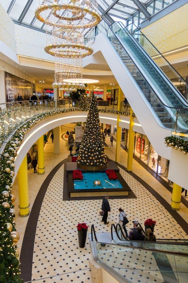 圣诞节购物的中心纽伦堡,德国 免版税库存照片