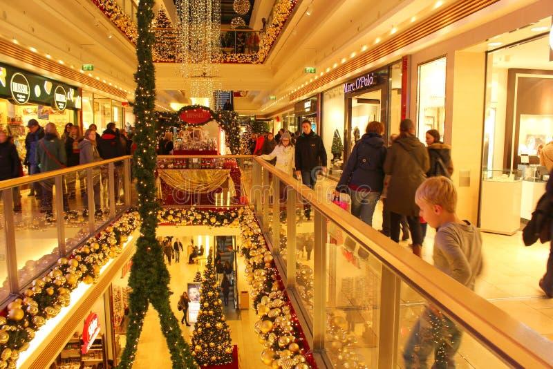 圣诞节购物仓促 免版税库存照片