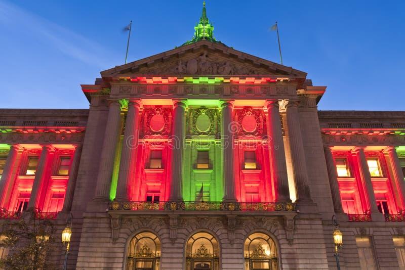 圣诞节绿色和红灯的旧金山香港大会堂 库存图片