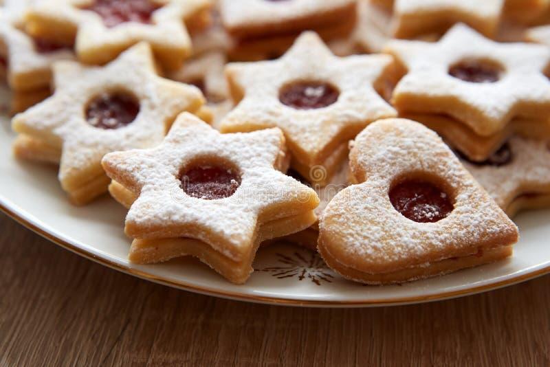 圣诞节Linzer曲奇饼特写镜头  免版税库存照片