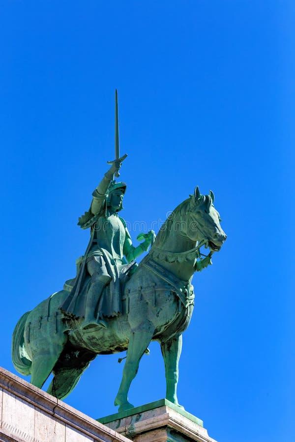 圣贞德雕象Sacre的Coeur在巴黎法国 库存图片