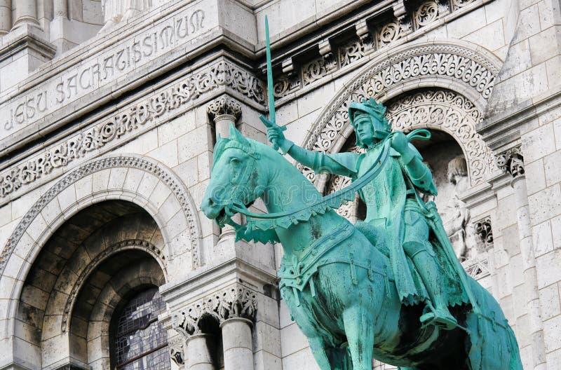 圣贞德骑马雕象Sacre的Coeur在巴黎 库存图片
