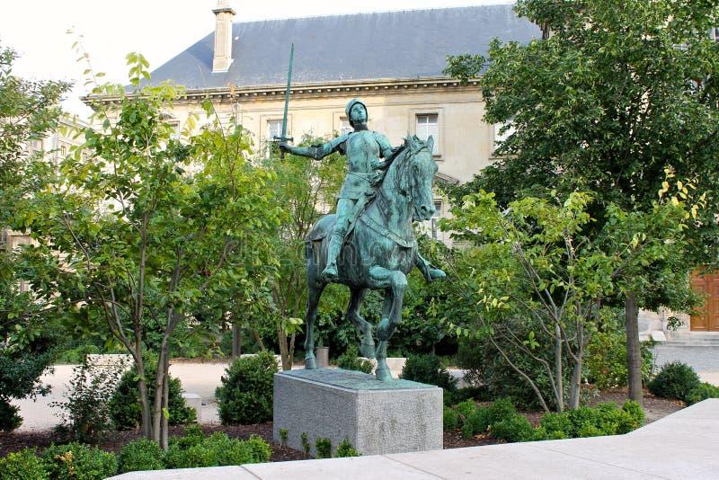 圣贞德,兰斯,法国雕象  免版税库存图片