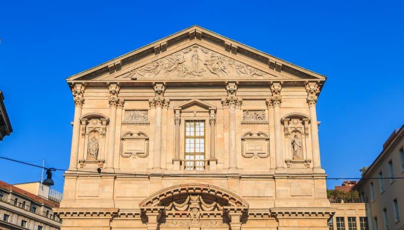 圣费代莱教会的建筑细节在米兰 库存照片