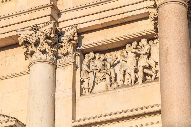 圣费代莱教会的建筑细节在米兰 免版税库存照片