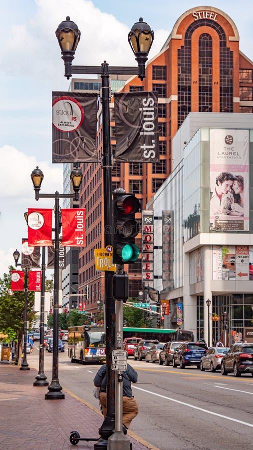 圣路易斯查尔斯顿大道街道视图-圣路易斯 美国- 2019年6月19日 库存图片