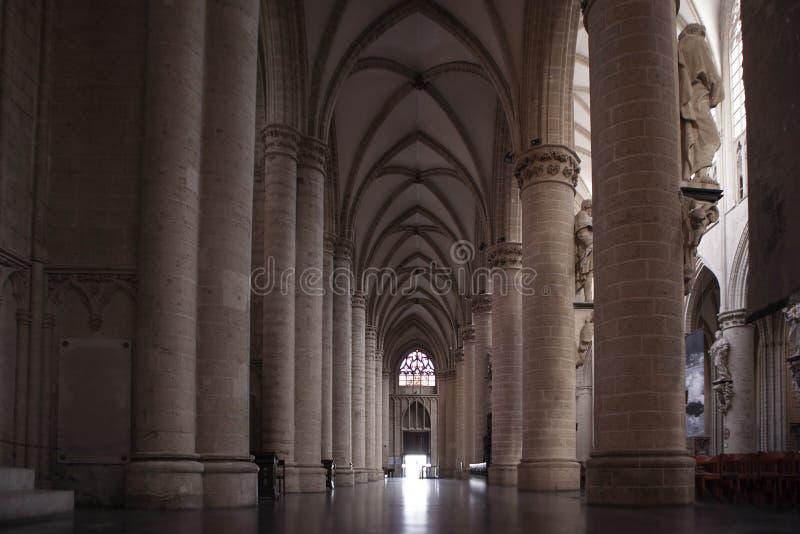 圣迈克尔和圣Gudula大教堂内部 免版税图库摄影