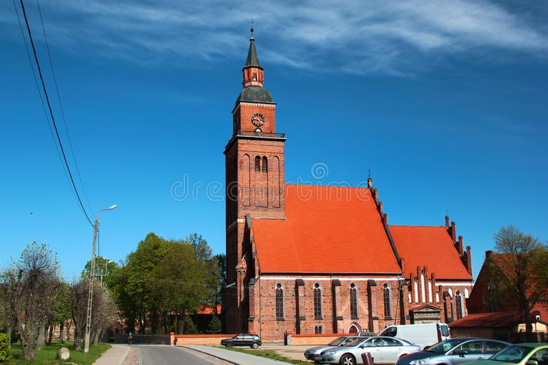 圣迈克尔教会在森波波尔镇在巴尔托希采县,瓦尔米亚-马祖里省,波兰 库存照片