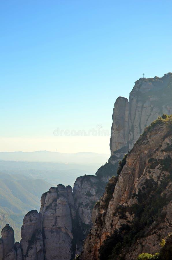 圣迈克尔的十字架,蒙特塞拉特,卡塔龙尼亚,西班牙 免版税库存照片