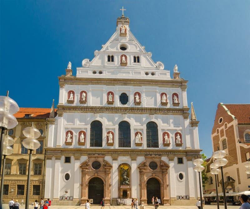 圣迈克尔的教会是一个阴险的人教会在慕尼黑,南德国 免版税库存图片