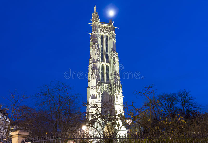 圣雅克塔在晚上,巴黎,法国 免版税图库摄影
