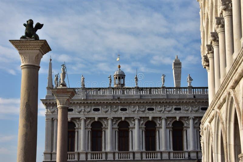 Download 圣马克地标 库存照片. 图片 包括有 宫殿, 共和国总督, 地标, 空白, 图书馆, 威尼斯式, 正方形 - 72355216