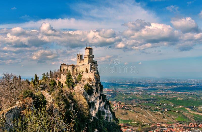 圣马力诺共和国,意大利 Rocca della Guaita,中世纪城堡 免版税库存照片