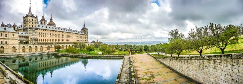 圣洛伦索德埃莱斯科里亚尔著名皇家修道院在马德里,西班牙附近的 免版税库存图片