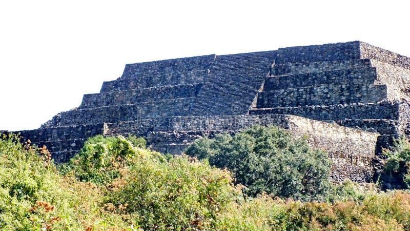 圣费利佩los Alzati, Zitacuaro,墨西哥金字塔废墟  库存图片