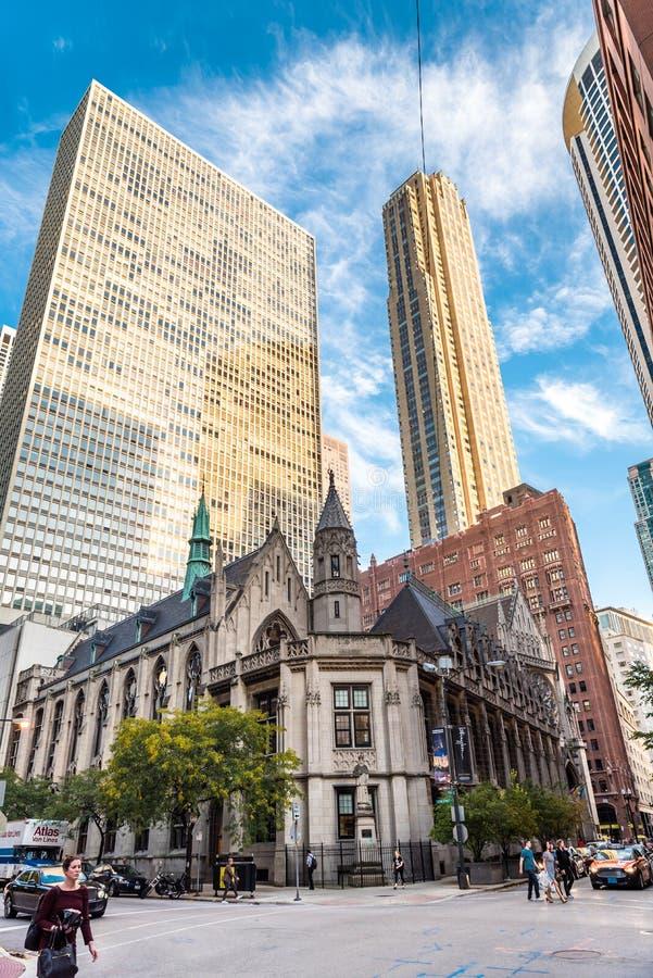 圣洁名字大教堂在街市的芝加哥 免版税图库摄影