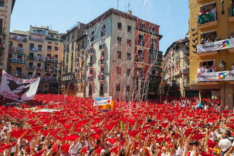 圣费尔明节日开始在潘普洛纳,西班牙 免版税库存照片