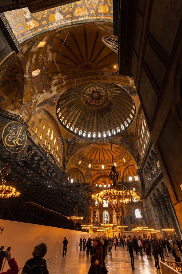 圣索非亚大教堂内部在伊斯坦布尔土耳其-建筑学背景 库存图片