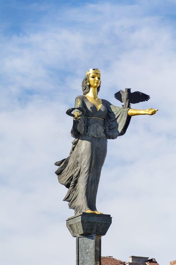 圣索非亚金黄雕象在索非亚,保加利亚 免版税图库摄影