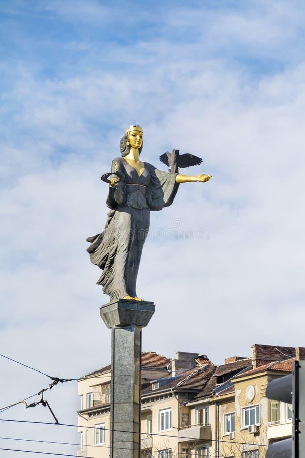 圣索非亚金黄雕象在索非亚,保加利亚 图库摄影