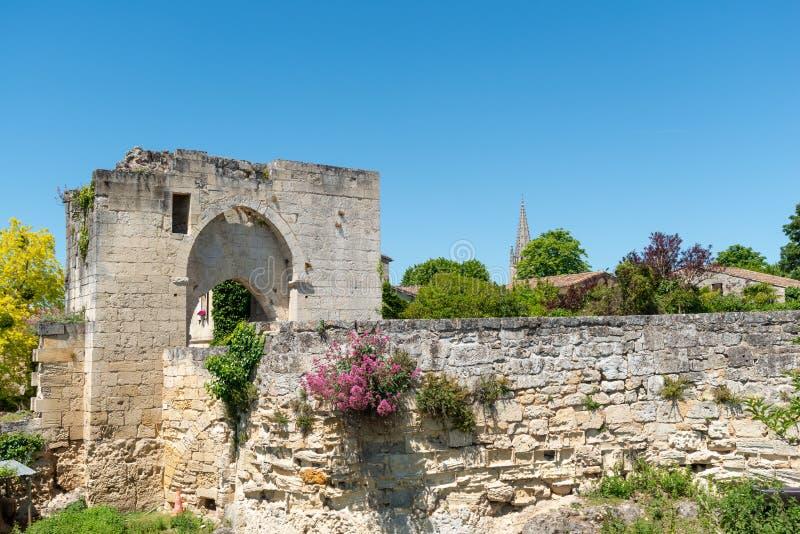 圣Emilion,吉伦特省,法国 中世纪城市的废墟 免版税图库摄影