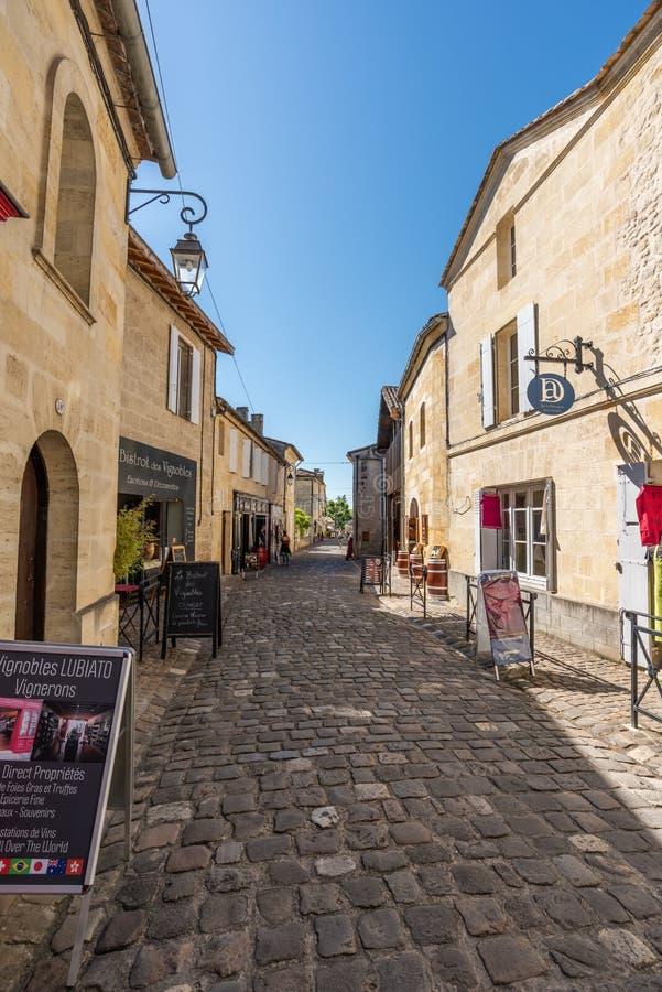 圣Emilion,在红葡萄酒附近在吉伦特省,法国 库存图片