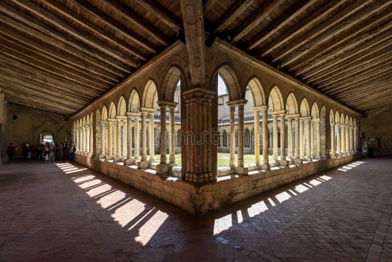 圣Emilion,法国Collegiale教会的中世纪法国修道院  免版税库存照片