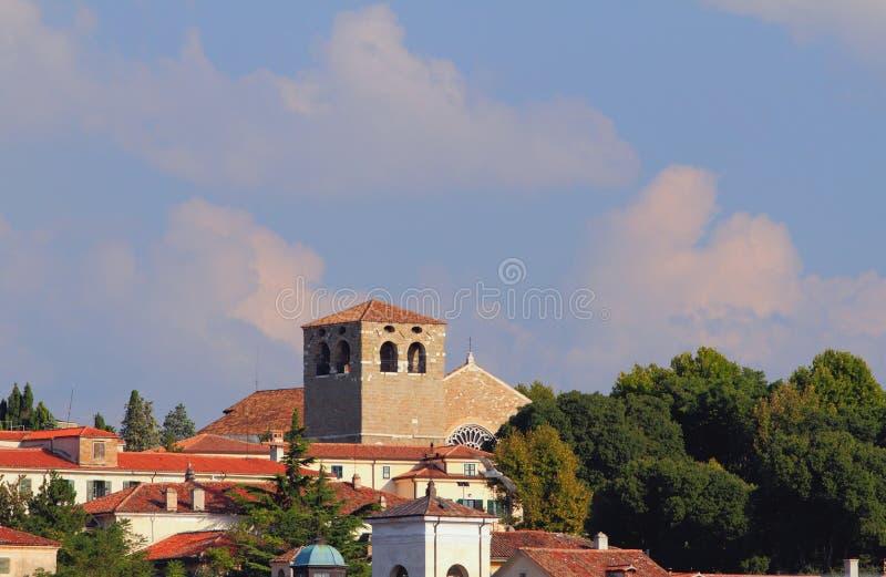 圣Giusto大教堂Belltower ?的里雅斯特,意大利 库存照片