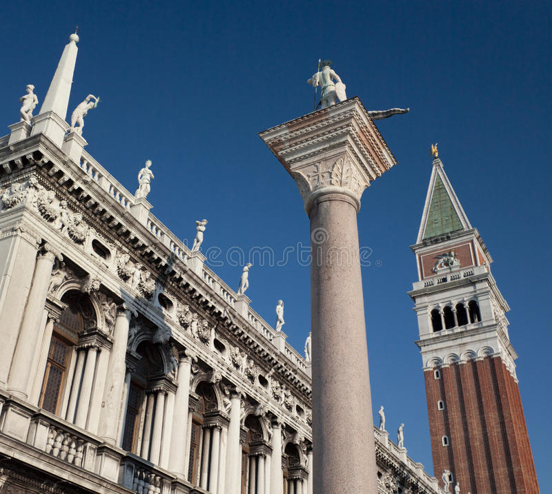 圣Marco和钟楼在威尼斯-意大利 免版税库存图片