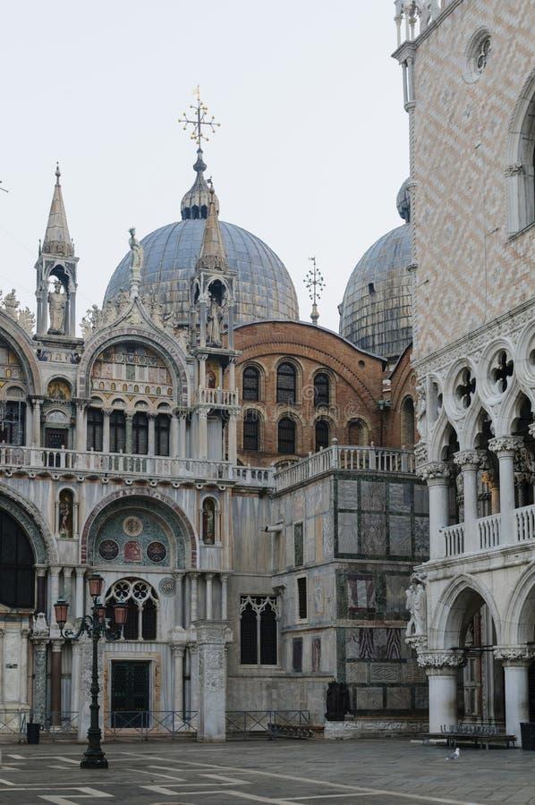 圣Marco大教堂和共和国总督` s宫殿在圣Marco广场,威尼斯 库存照片